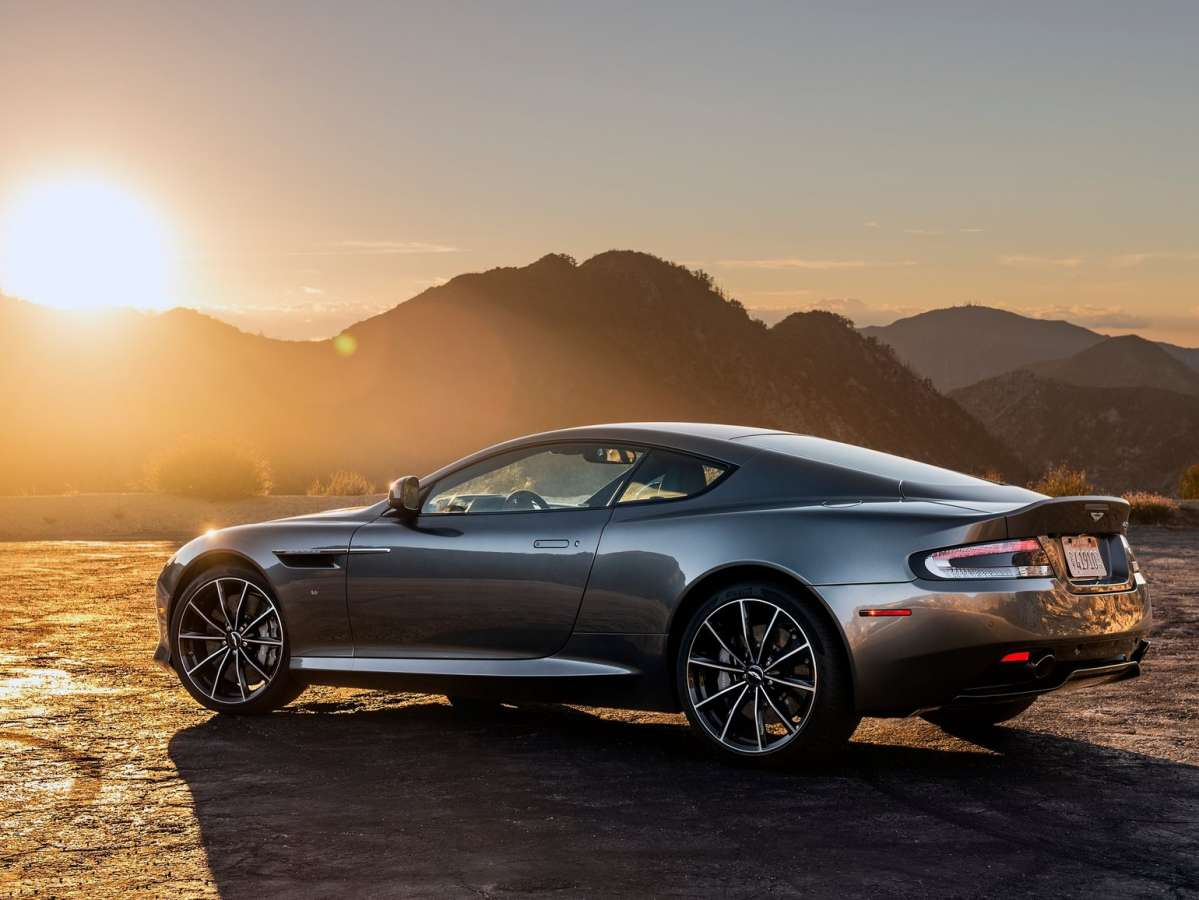 Club Aston Martin DB9