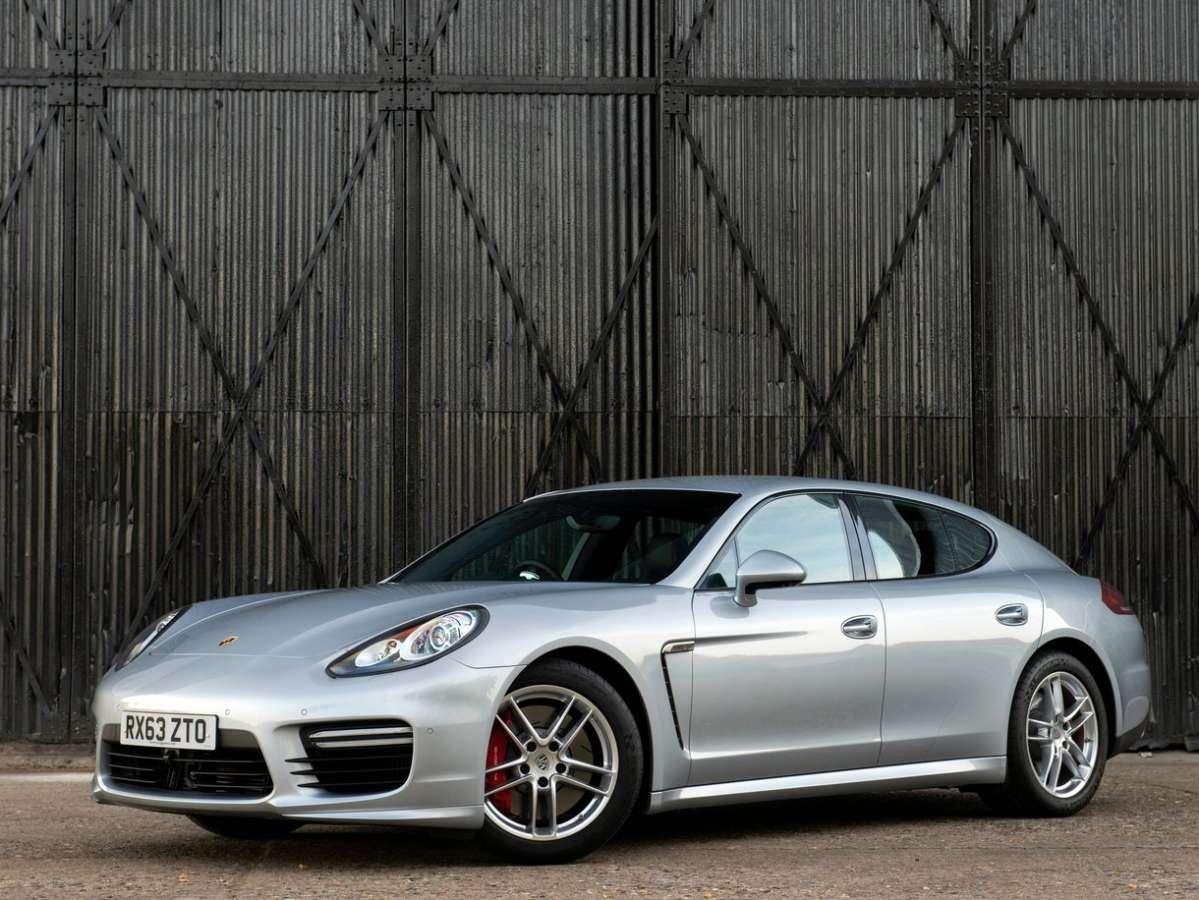 Club Porsche Panamera