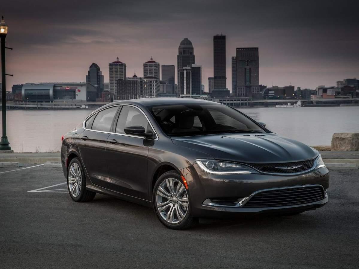 Club Chrysler 200