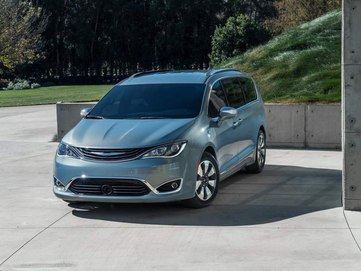 Club Chrysler Pacifica
