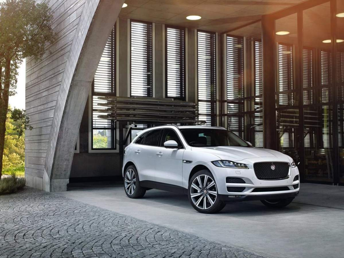 Club Jaguar F-Pace