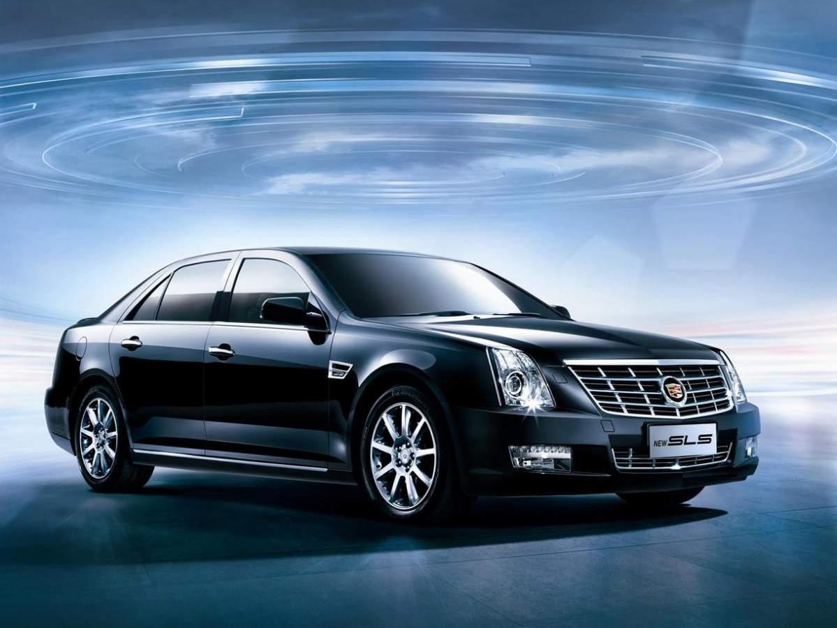 Club Cadillac SLS
