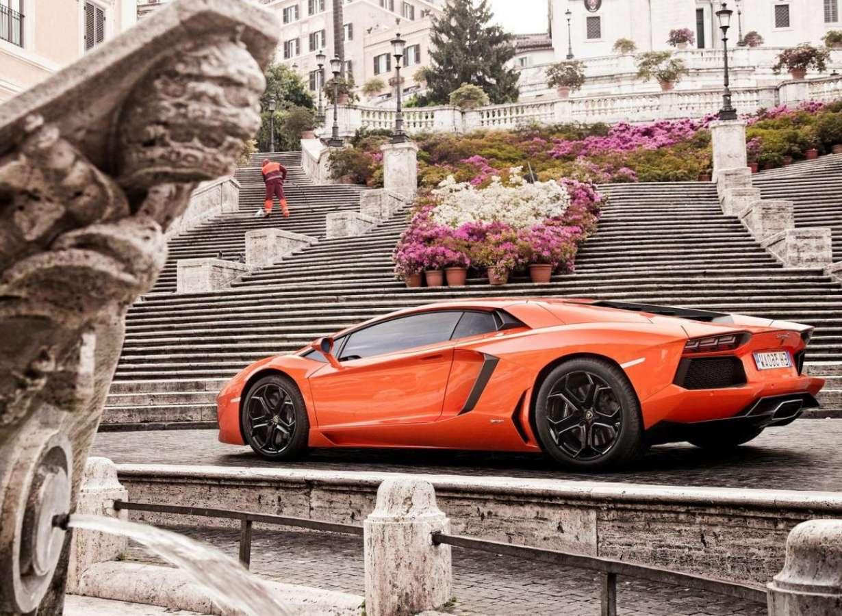 Club Lamborghini Aventador