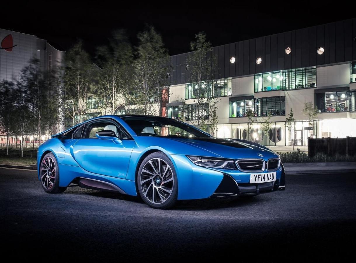 Club BMW i8