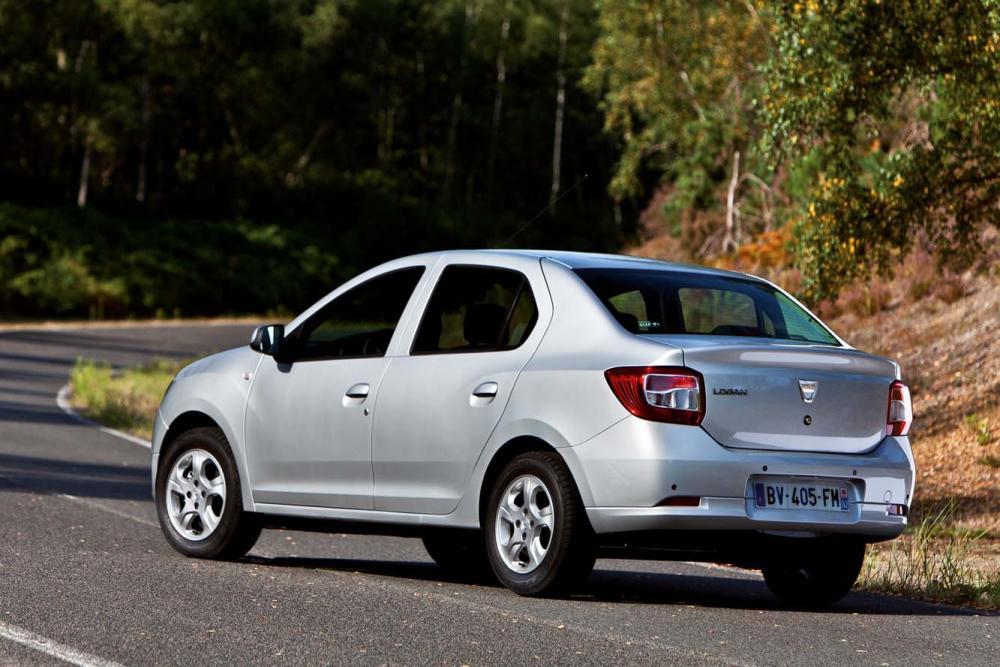 Dacia_Logan_2_002.jpg