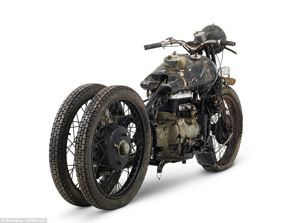 2F5D2AC700000578-3359441-The_ex_Hubert_Chantrey_Brough_Superior_750cc_BS4_is_one_of_the_h-m-14_1450117559921.jpg