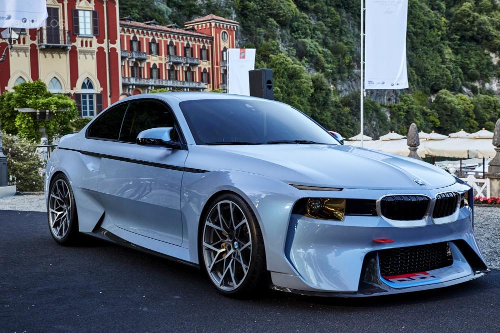 BMW-2002-hommage-villa-deste-14.jpg