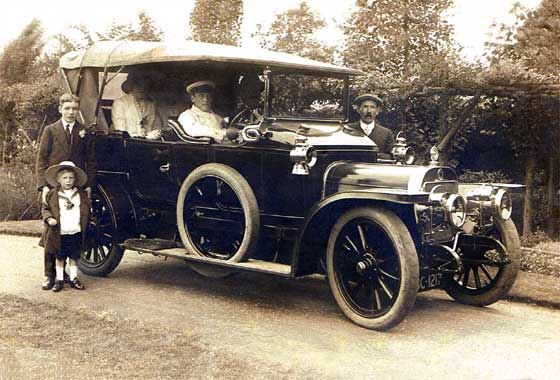 1911_Argyll_Light_Fifteen_Tourer.jpg