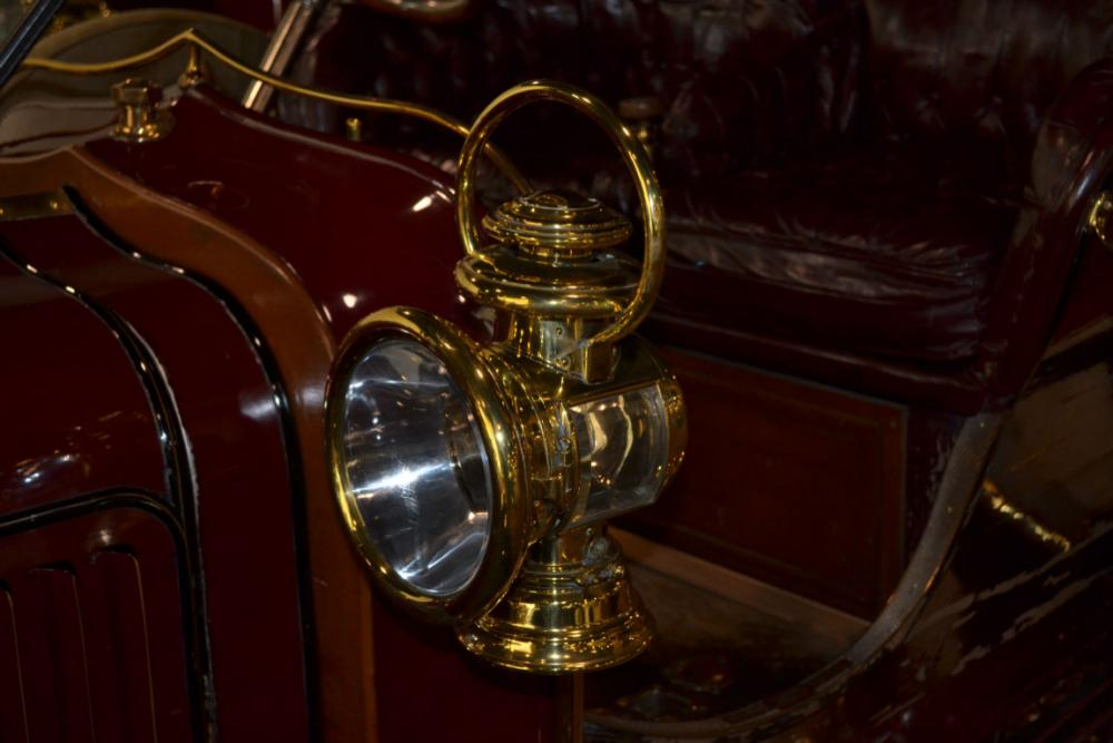 1906_Pope_ToledoTypeXIITouring_5781cc_44HP_4Cylinder_Head-Lamp.jpg
