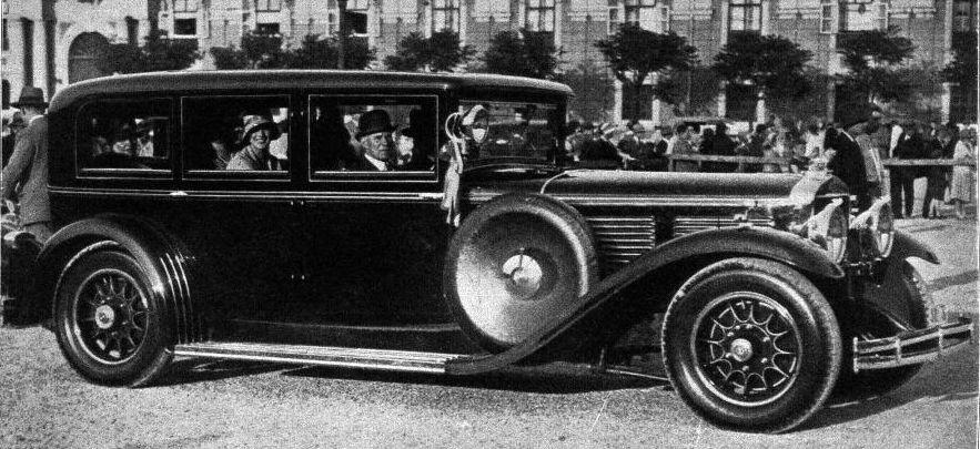 keibl graef stift 1930 limousine graf larisch moennach.jpg