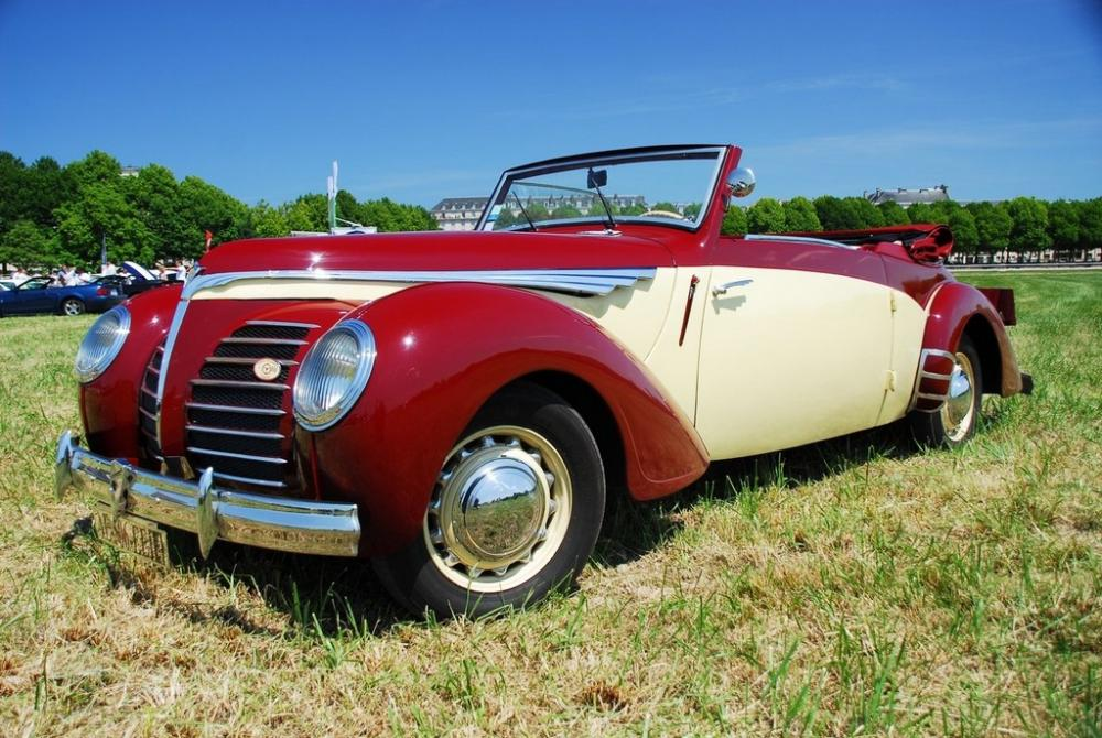 ROSENGART_SUPER_TRACTION_CABRIOLET_1939_01.jpg