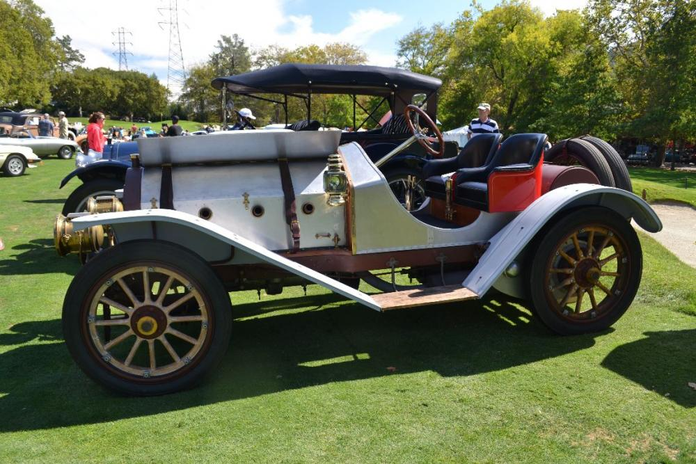 1909_Chadwick_Model160Runabout_706.9ci_60HP_6Cylinder_ofCDM_SideView.jpg