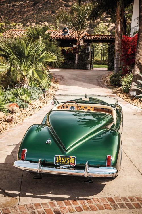 1952-Maverick-Sportster-rear-end.jpg