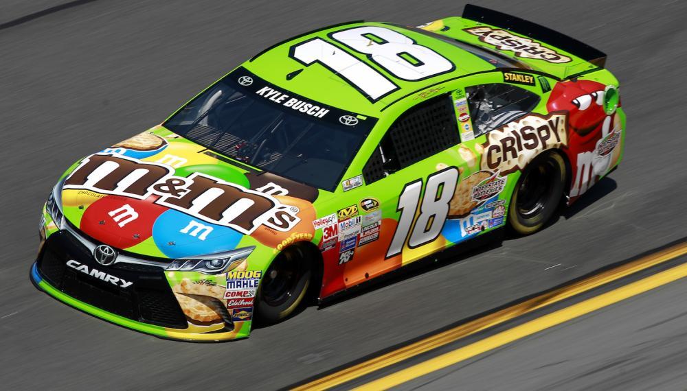 Kyle-Buschs-NASCAR-Sprint-Cup-Series-Car-18.jpg