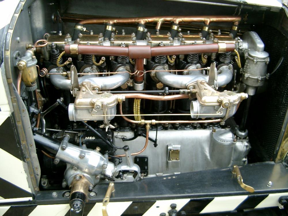 1919 straker-squire engine.jpg