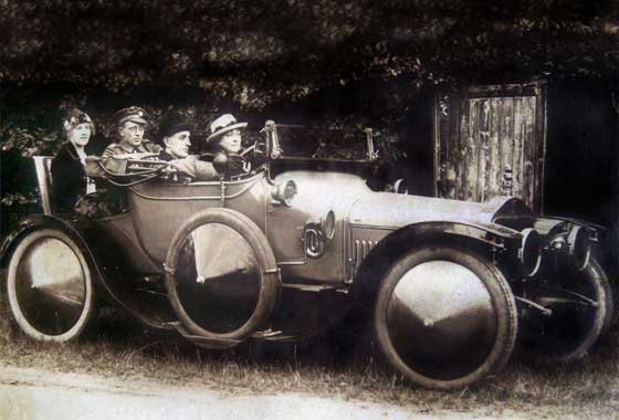 1914_Straker_Squire_15'20_Two-Seater.jpg