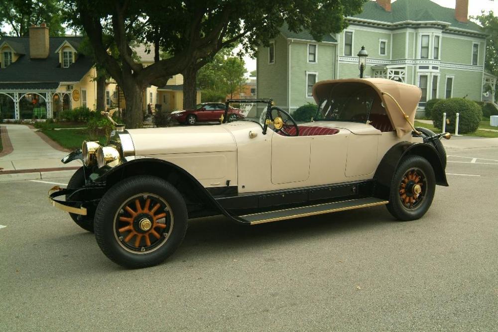 1920Locomobile.jpg