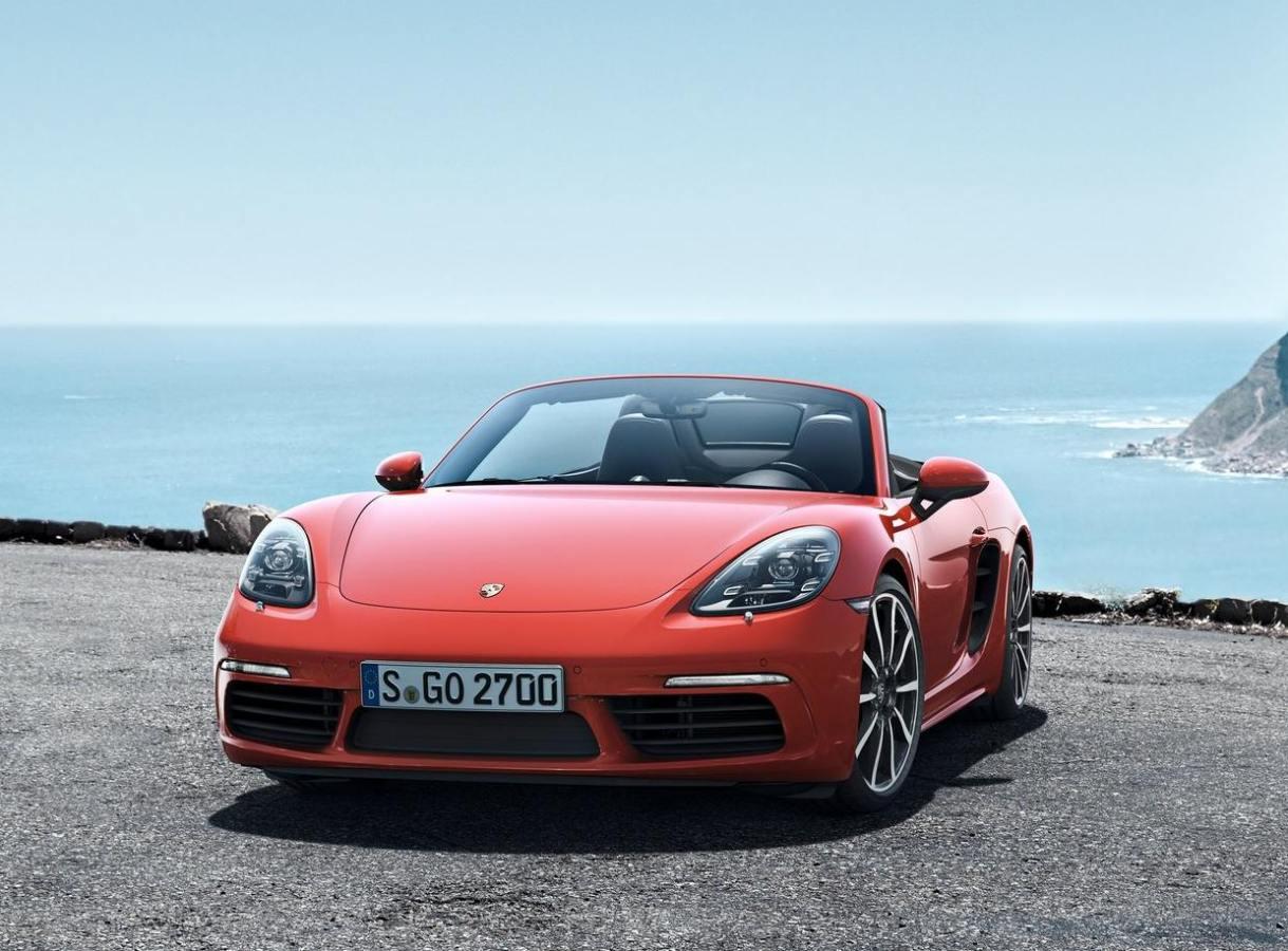 Club Porsche 718