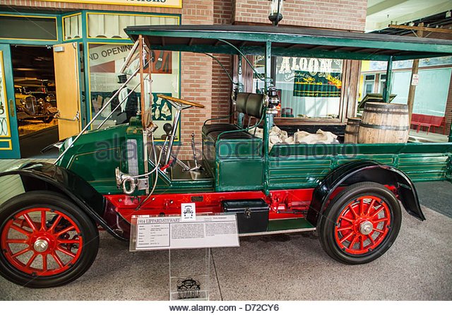 tmp_26669-a-1914-lippard-stewart-delivery-truck-at-the-national-automobile-museum-d72cy6915403462.jpg