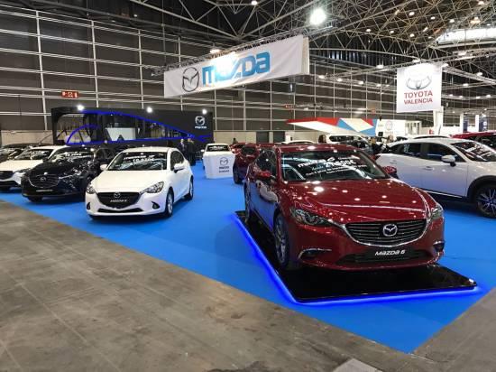 Tweet Club Mazda